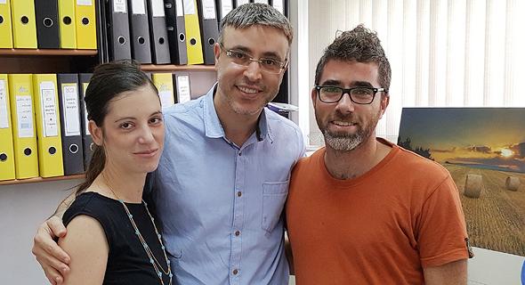 Feelit co-founders Gady Konvalina (right), Meital Segev-Bar (left) and Prof. Hossam Haick. Photo: Courtesy